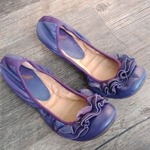 Report leather flats